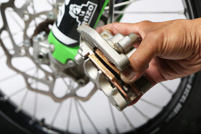 ProX Pro Mechanic Tip: How to Change Dirt Bike Brake Pads